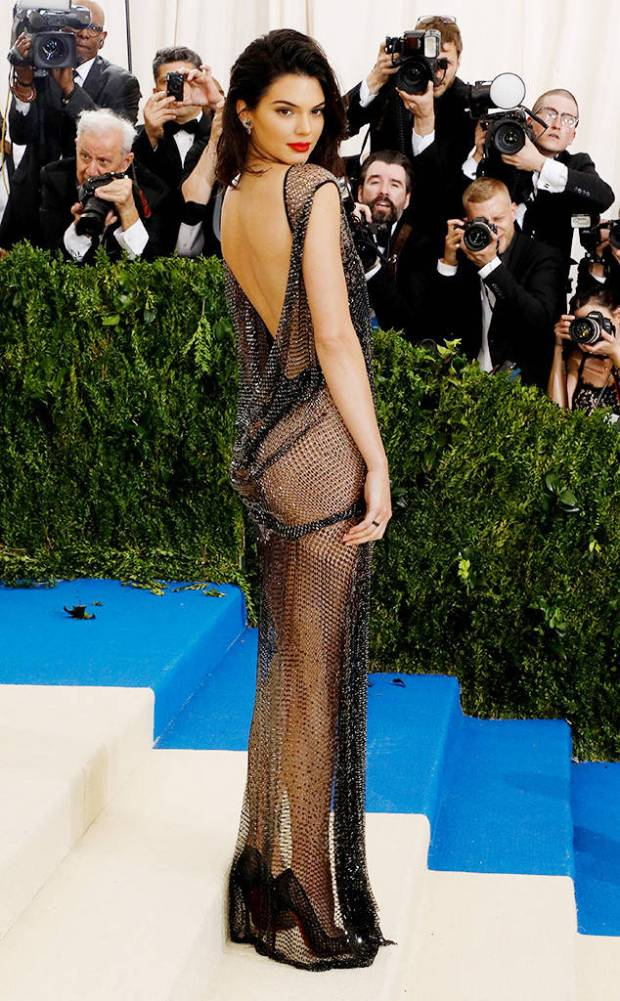 rs_634x1024-170501200530-634.Kendall-Jenner-Met-Gala-New-York.kg.050117